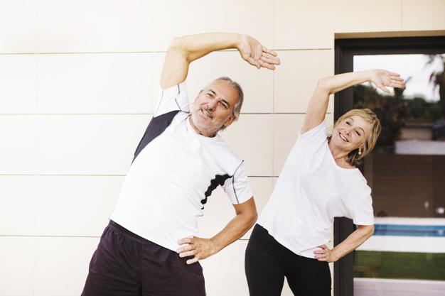 Senior-couple-excising