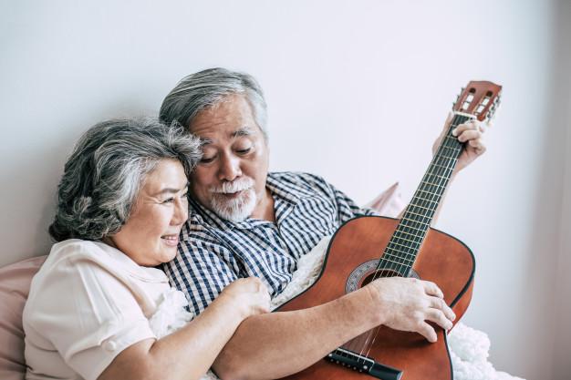 take-care-of-senior-couple