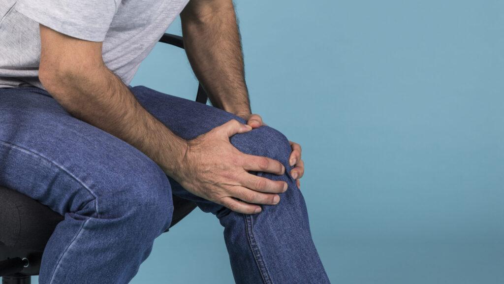 elderly knee pain