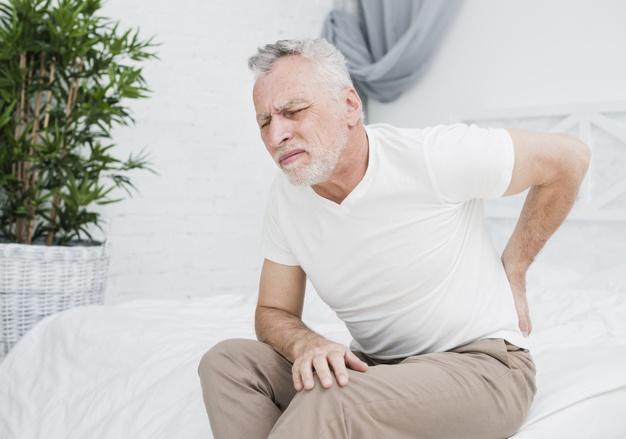 elderly-backpain