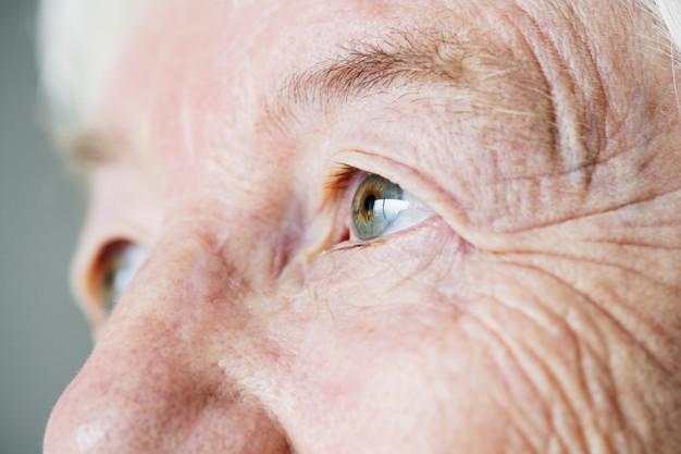 eyes-disease-elderly