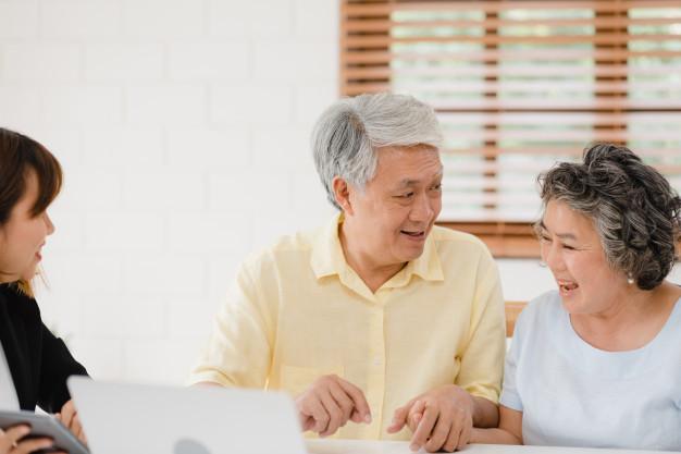 asian-elderly-couple-smart-aging-society