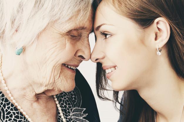 teenage-elderly-family-prenvent-happiness